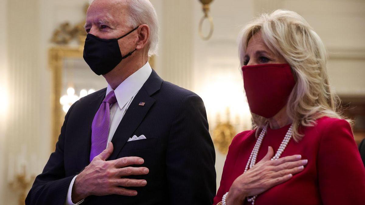 Biden se focaliza en la pandemia en su primer día al frente de EEUU