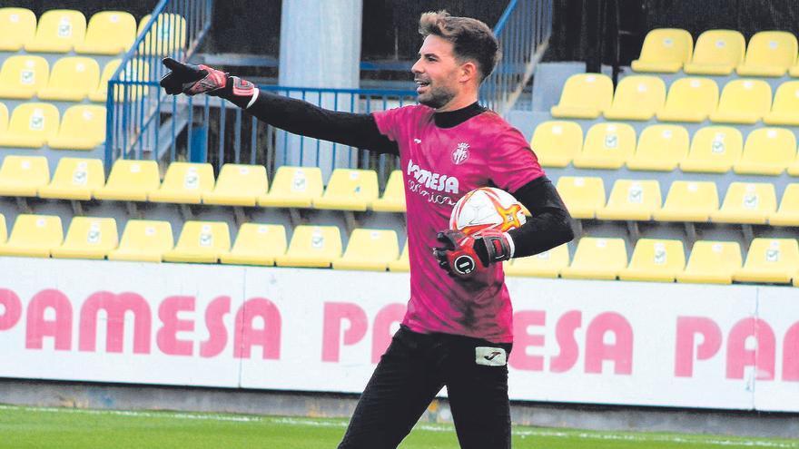 Ian, portero del Villarreal B: «Detrás de los resultados hay mucho trabajo y sacrificio»