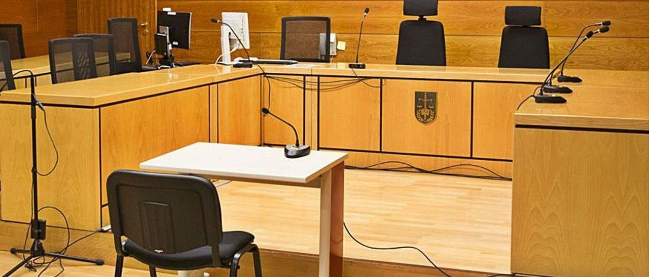 Una sala de los juzgados de Alicante.