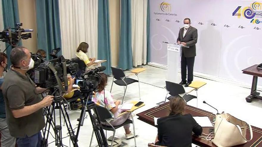Sanidad hará cribados y vacunación masiva para contener los casos de covid en Tenerife