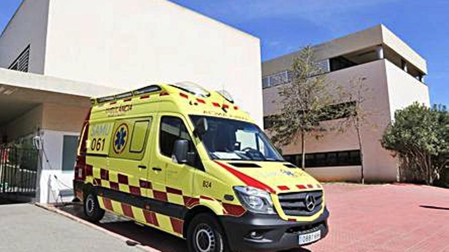 Los sindicatos piden ambulancias covid 24 horas para las Pitiusas