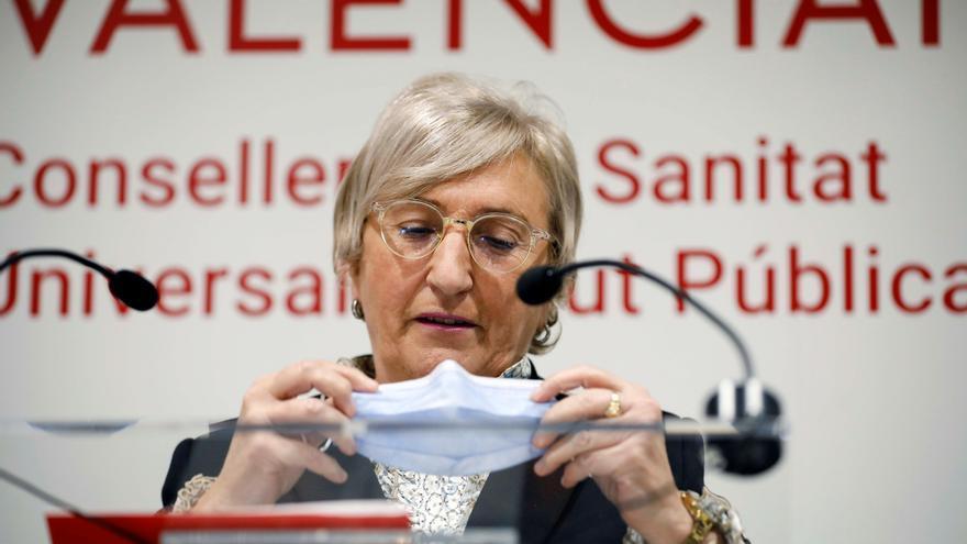 Barceló replica a las severas críticas de la oposición que los grupos a vacunar los marcan los científicos
