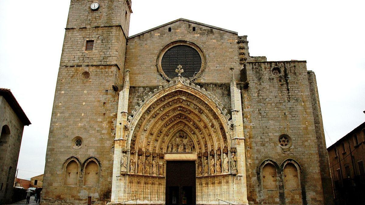 El teló de fons del mercat, la Basílica.