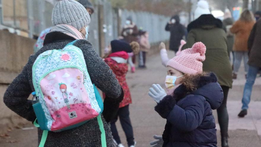 Las aulas gallegas terminan la semana con nuevo récord de positivos