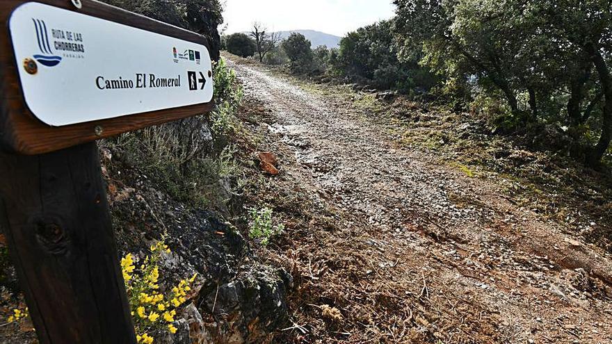Faraján acondiciona su red de caminos y senderos