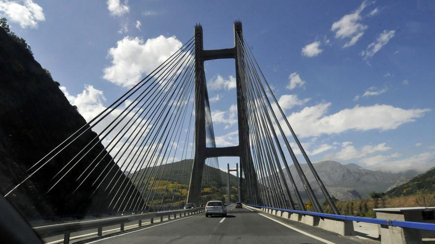 Asturias recibió muchas visitas durante el fin de semana: casi 30.000 coches pasaron por el Huerna