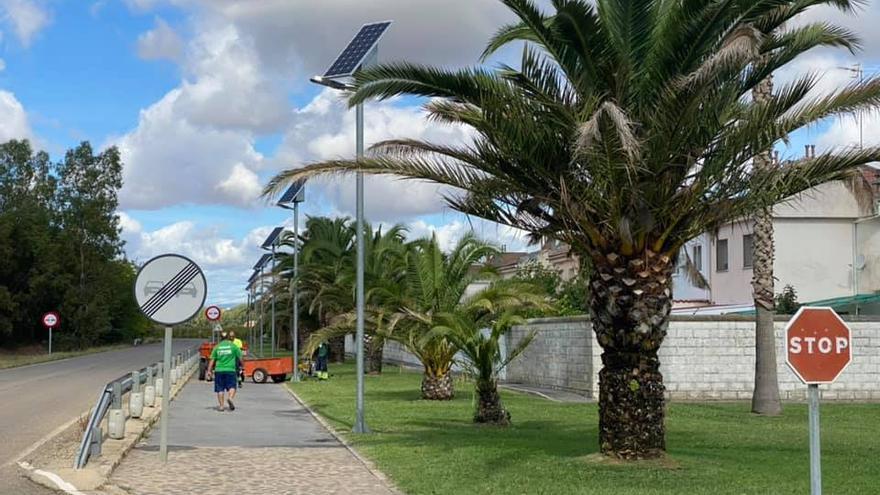 El Ayuntamiento de Coria moderniza el alumbrado público en Rincón del Obispo