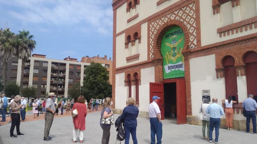 Colas de abonados en El Bibio para las tres jornadas de festejos en la Feria Taurina de Begoña