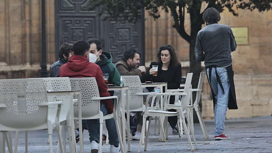 El tribunal asturiano, al contrario que el vasco, avala las restricciones en los bares