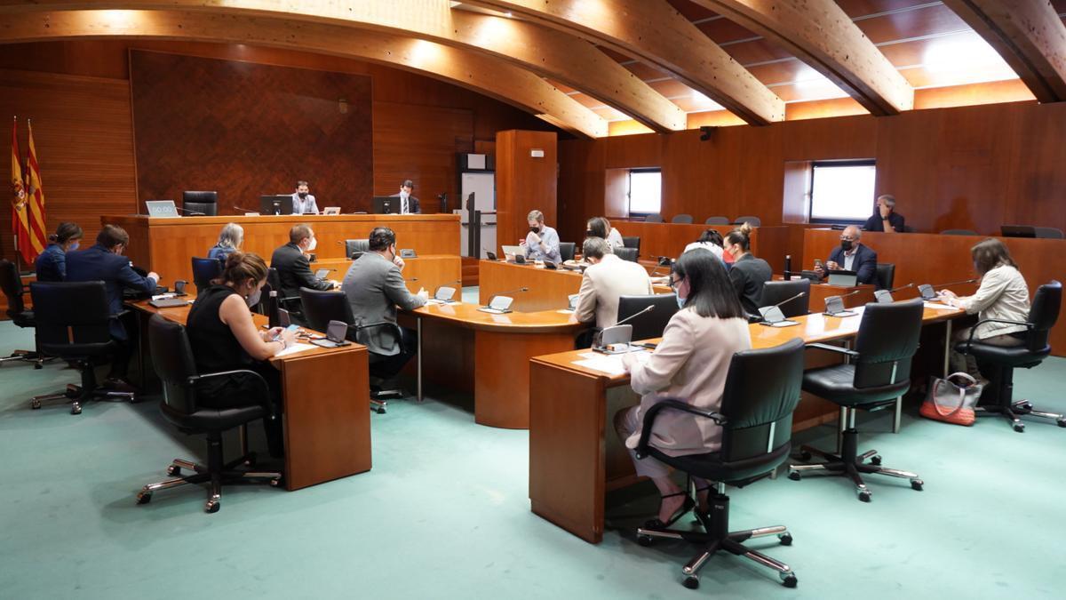 Comisión de Educación celebrada este martes, en el Parlamento aragonés.