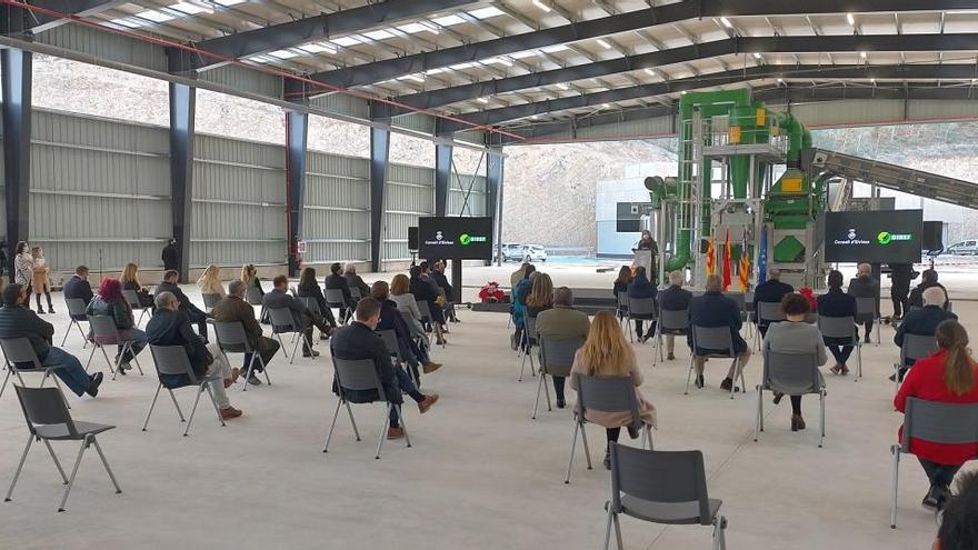 """Armengol se declara """"abierta"""" a ayudar a pagar la nueva planta de reciclaje de Ca na Putxa"""