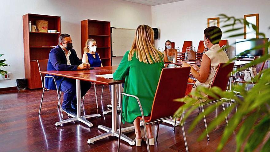 Párkinson Tenerife abre un servicio de asistencia a los pacientes en Buzanada