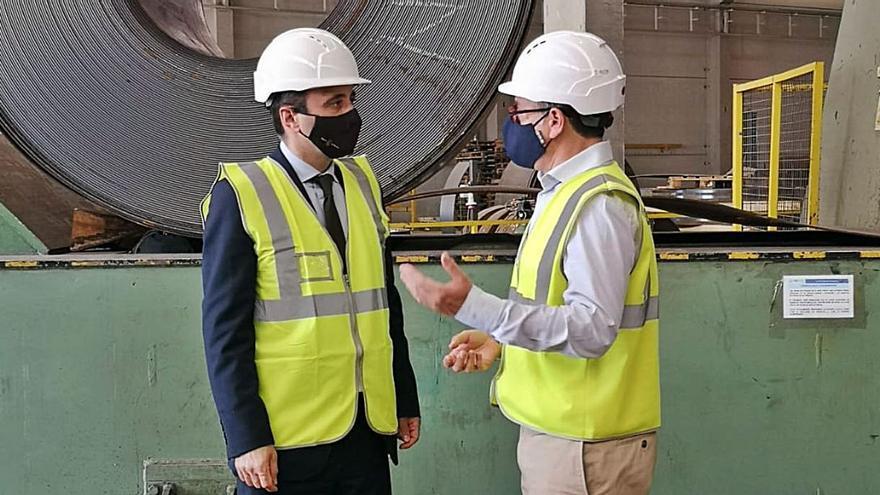 El director del info visita Noksel, empresa lorquina especializada en fabricación de tuberías