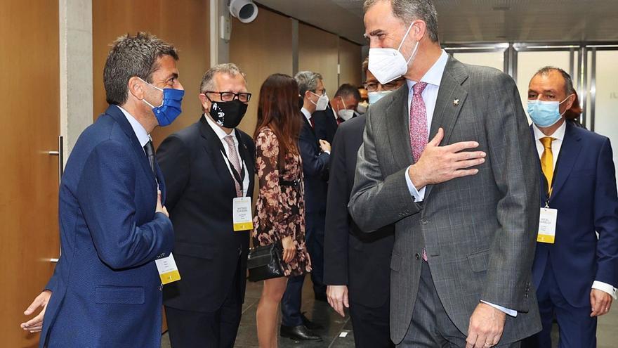 Carlos Mazón empieza su desembarco en València con la presentación de su candidatura