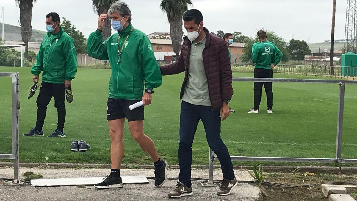 Pablo Alfaro y Juanito, el pasado lunes, en la Ciudad Deportiva del Córdoba CF.