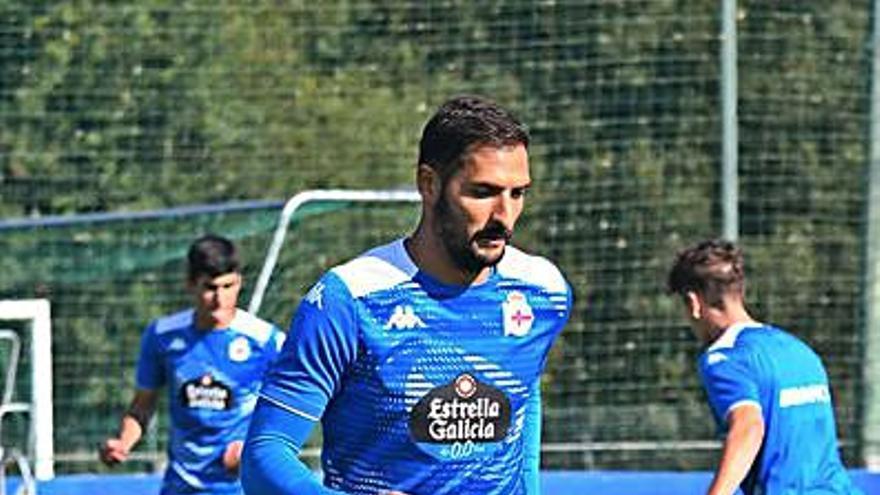 Celso Borges se ausenta de la última parte del entrenamiento