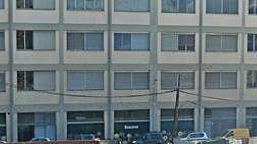 Comença la construcció de pisos al solar de l'antiga fàbrica Alzamora d'Olot