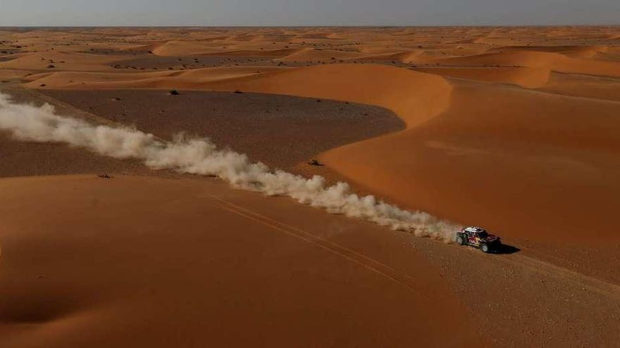 Carlos Sainz acaricia la victoria en el Dakar