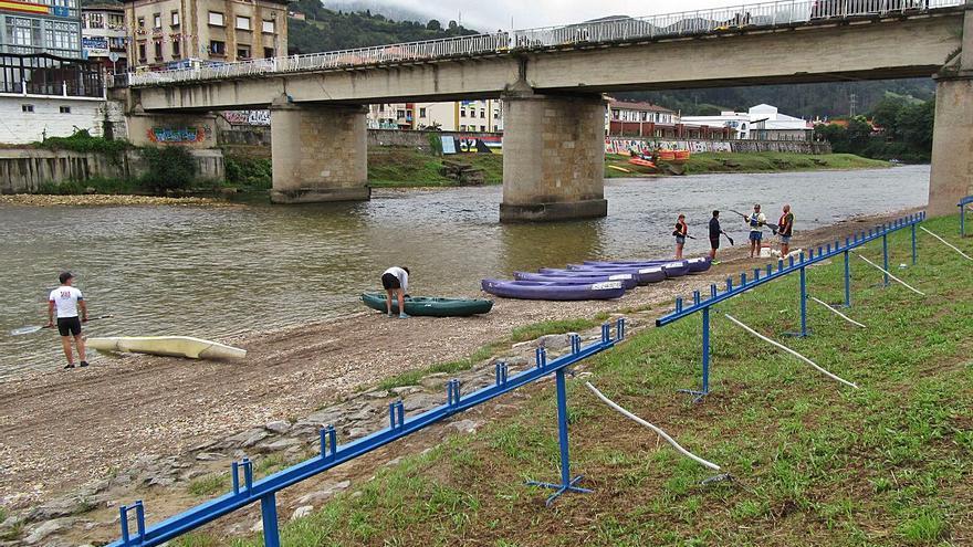 Medio Rural inicia los sondeos previos a la ampliación del puente de Arriondas