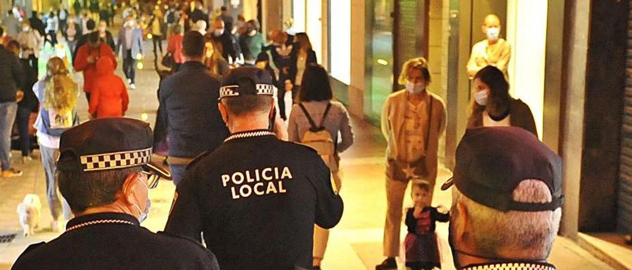 Efectivos de la Policía Local de Elche en un acto. |