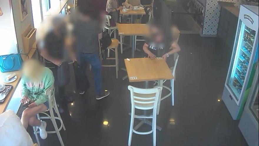 Así robaban tres carteristas cubanos que se fueron de compras con el dinero de sus víctimas