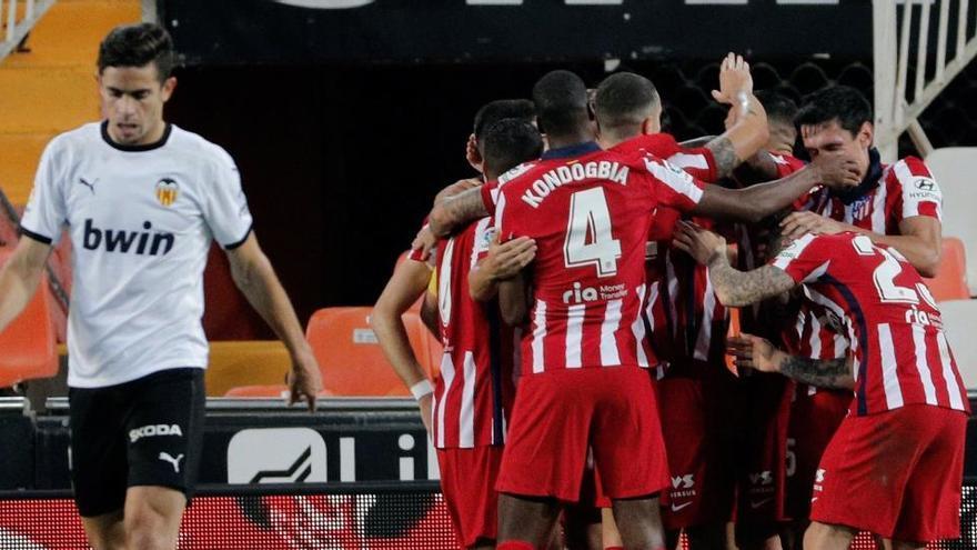 El Valencia tampoco frena a un Atlético lanzado