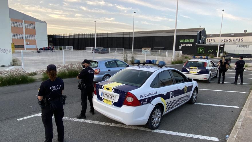 El botellón y los estupefacientes vuelven a Elche: 100 multas durante el fin de semana