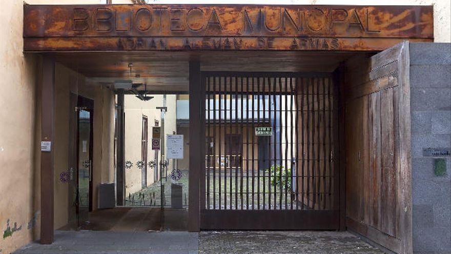 La Biblioteca Municipal de La Laguna leerá cuentos a personas mayores por teléfono