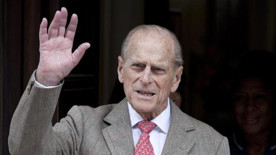 Trasladan de hospital al duque de Edimburgo para tratar una afección cardiaca