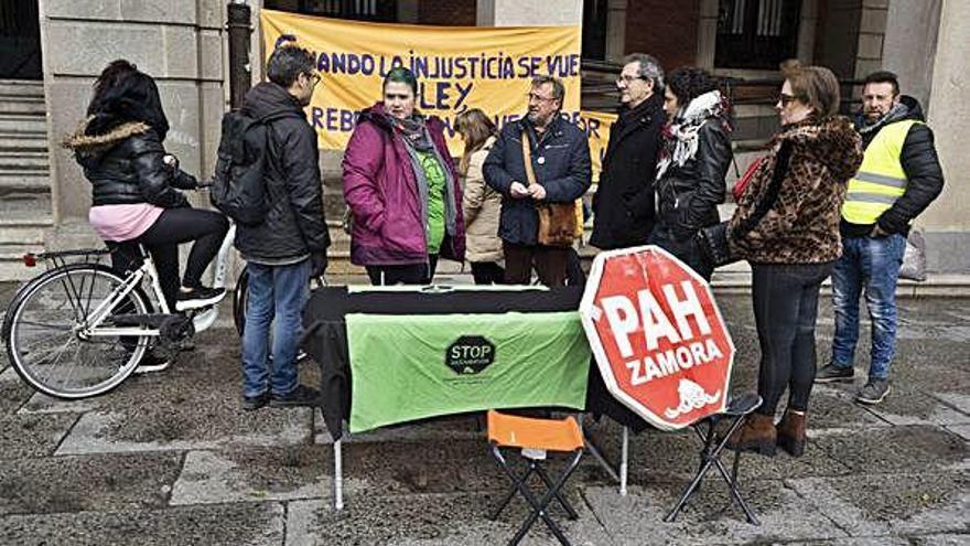 La familia amenazada de desahucio en Zamora podría perder su casa esta misma semana