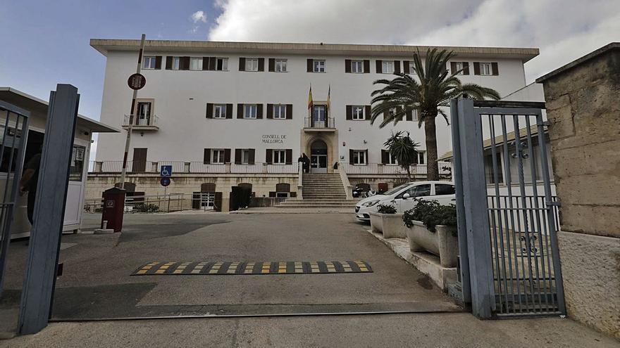 Condenan al Consell  por fraude de ley por la contratación de empleados