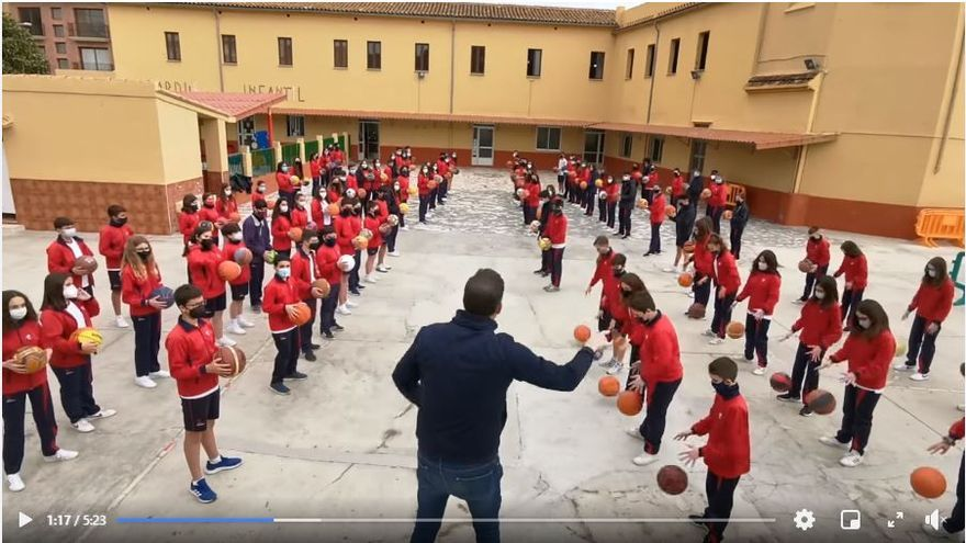 Mascletà del basket en Moncada