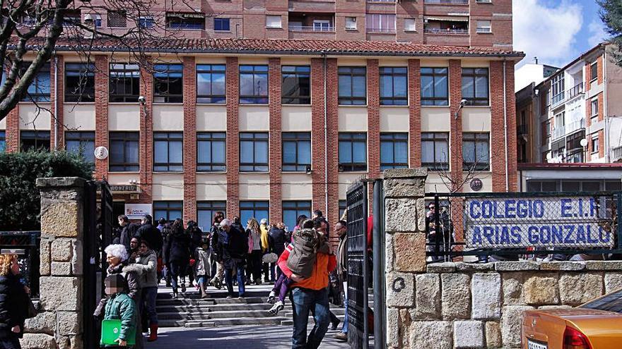 Educación derribará el actual gimnasio del colegio Arias Gonzalo de Zamora para ampliar espacio