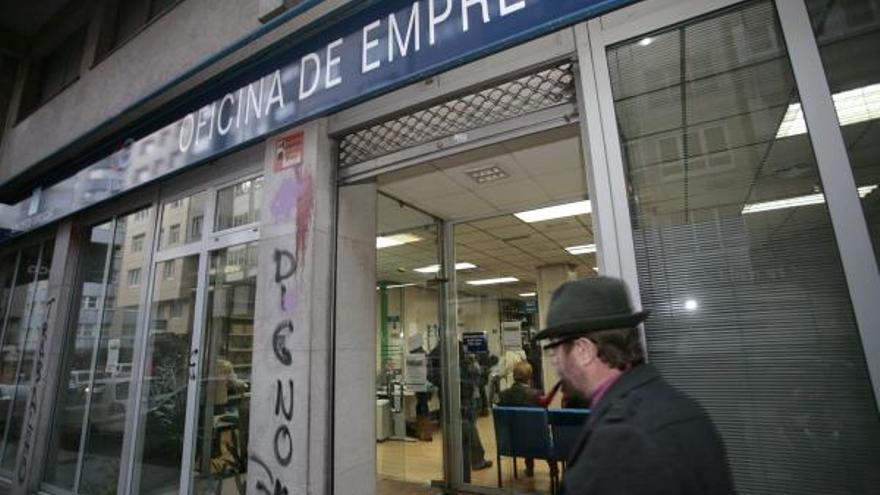 El paro sube en 6.165 personas en noviembre en Galicia, un 3,4%, cinco veces más que la media, hasta 187.472