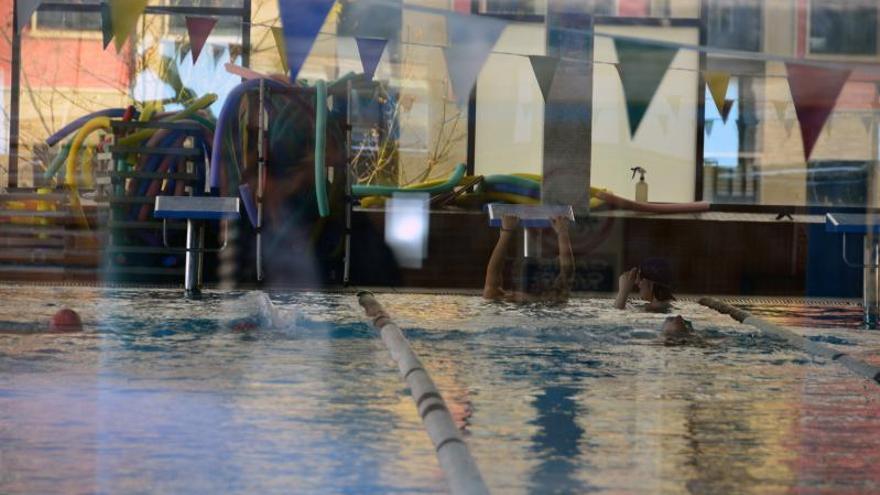 El PP alega falta de transparencia para impedir la indemnización a Aqualia por el cierre de la piscina