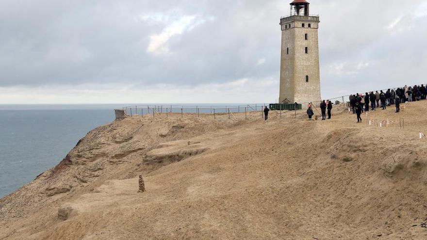 Dinamarca traslada un faro histórico para salvarlo del avance del mar