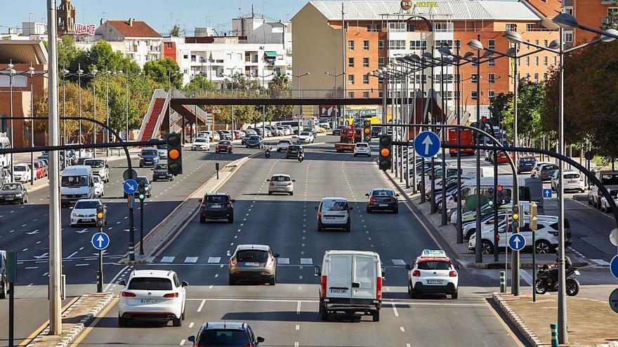 La «autovía» de Ausiàs March será un bulevar verde con la  mitad de carriles y sin pasarelas