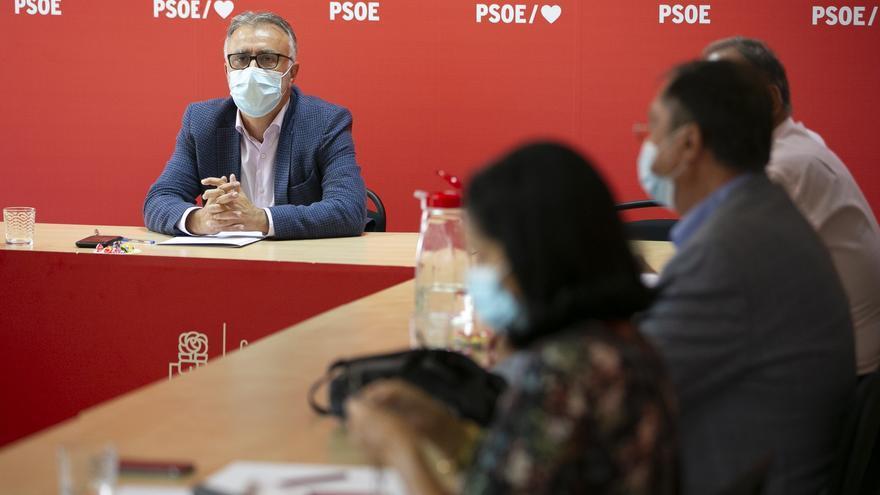 Torres y los senadores canarios del PSOE fijan la hoja de ruta para defender los intereses de las Islas