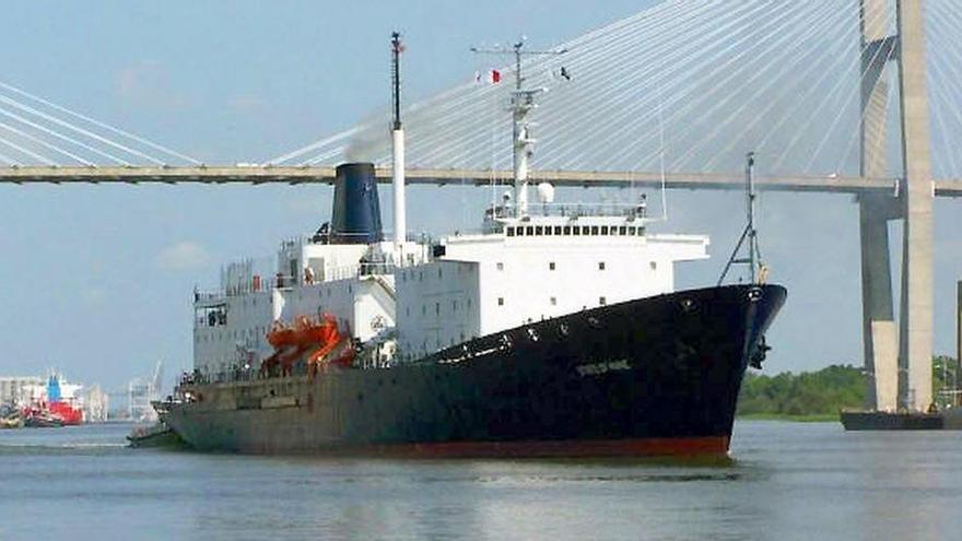 """El """"State of Maine"""" arriba a Vigo con 200 futuros oficiales de la marina mercante de EE UU"""