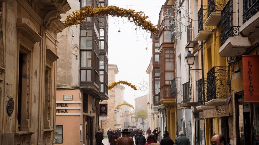 Las luces de Navidad, listas para el encendido en Zamora