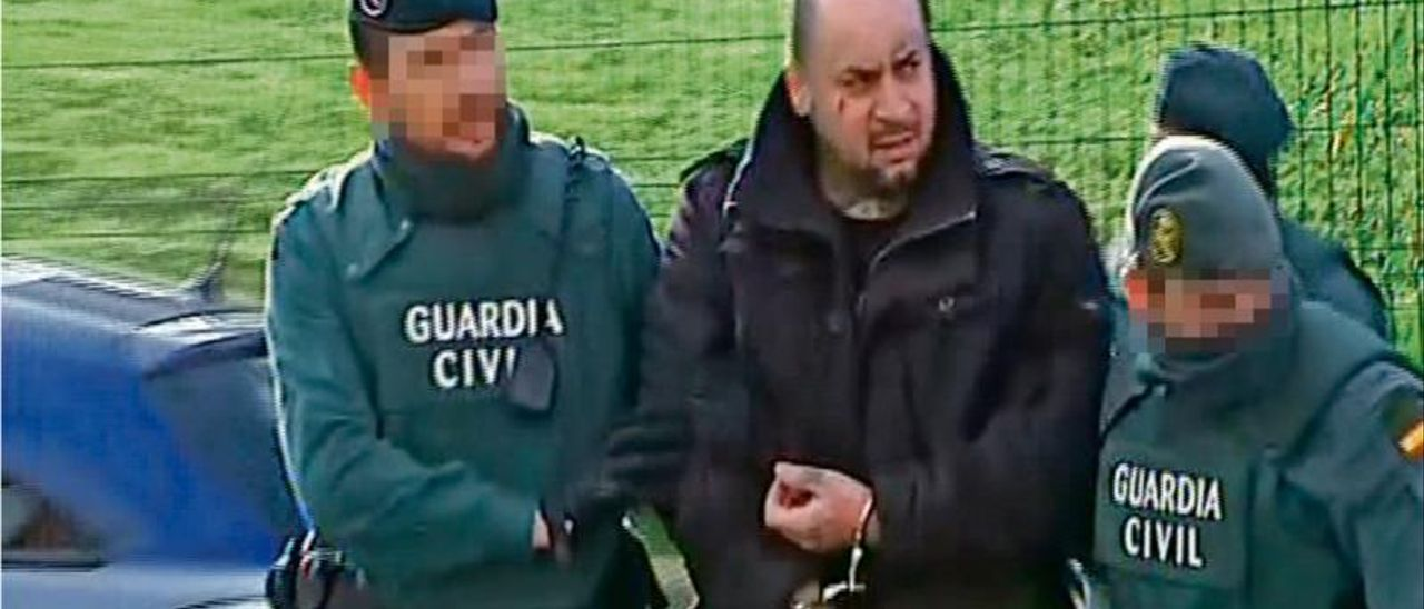 Un momento de la detención de Claudiu Bogdan Fluierasi, 'Machete', uno de los líderes del grupo