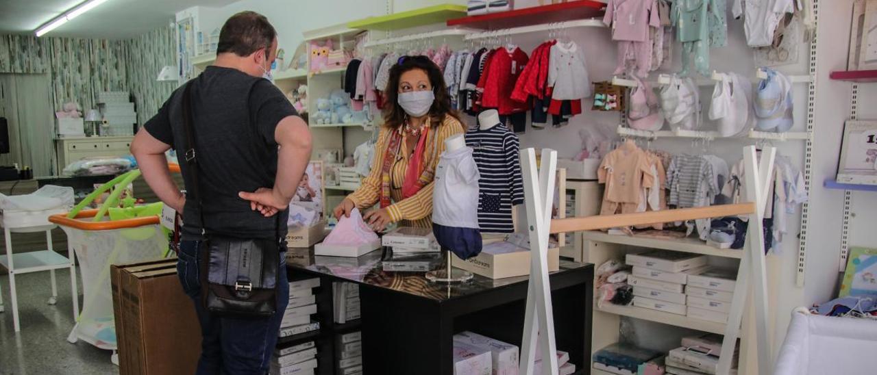 Un comercio de Alcoy tras la reciente reapertura