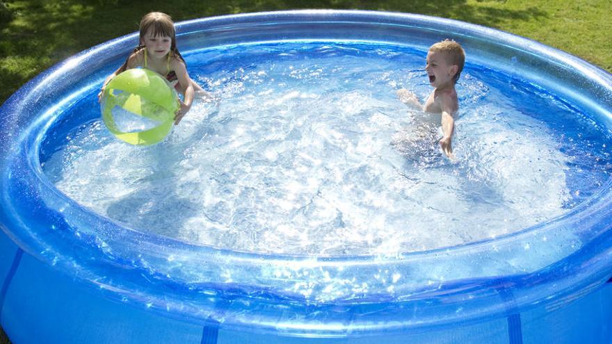 Los riesgos de instalar una piscina portátil en la terraza o la azotea
