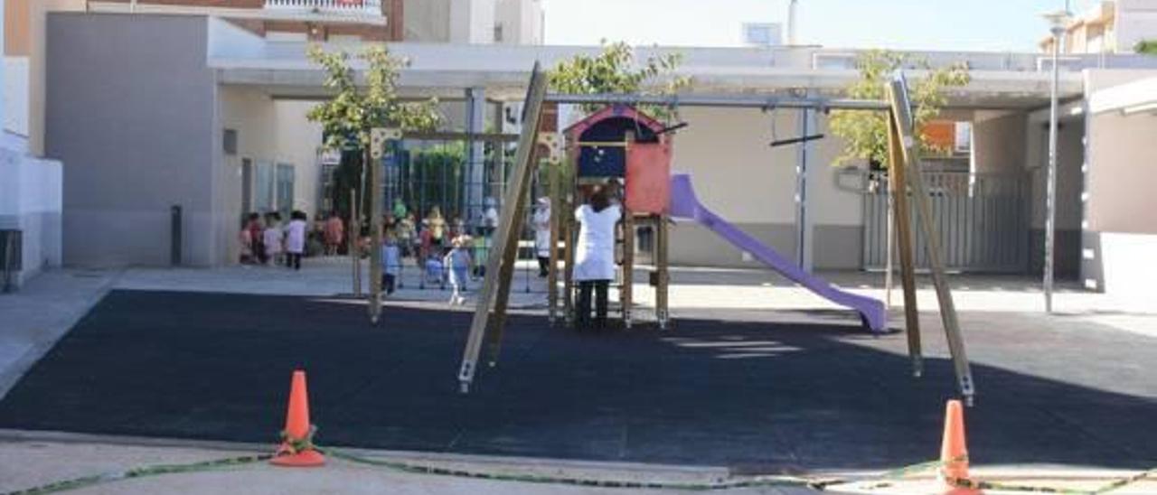 Asaltan el colegio público Errando Vilar de Almassora y sustraen material eléctrico