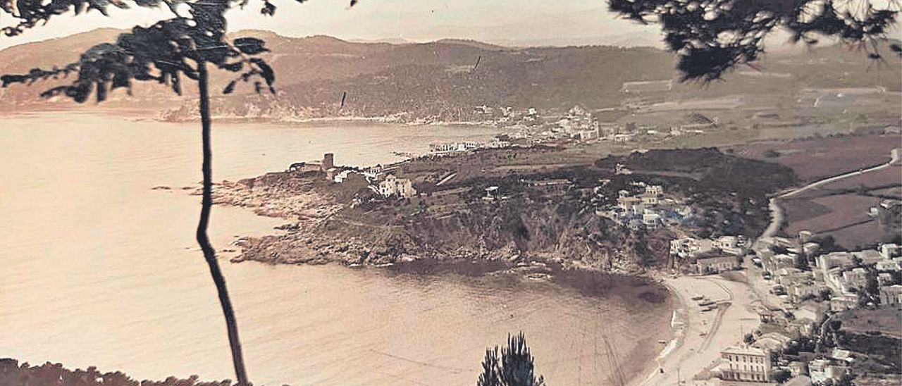 Vista de Llafranc, Calella y Cap Roig.