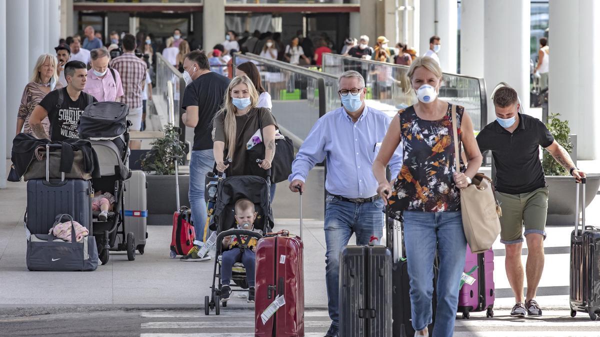 En abril el aeropuerto de Palma registró 243.103 pasajeros internacionales.