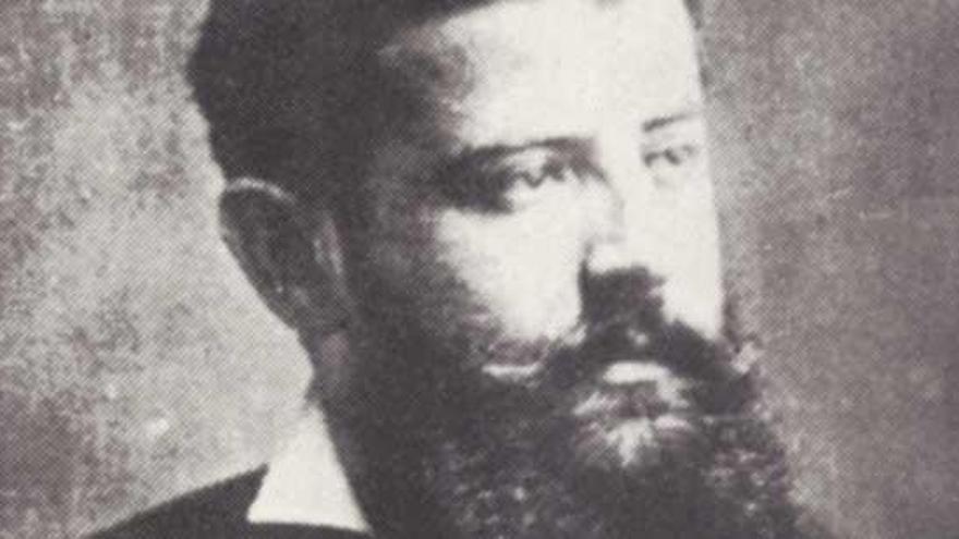Como era o científico con quen Emilia Pardo Bazán estableceu unha relación íntima entre 1873 e 1875