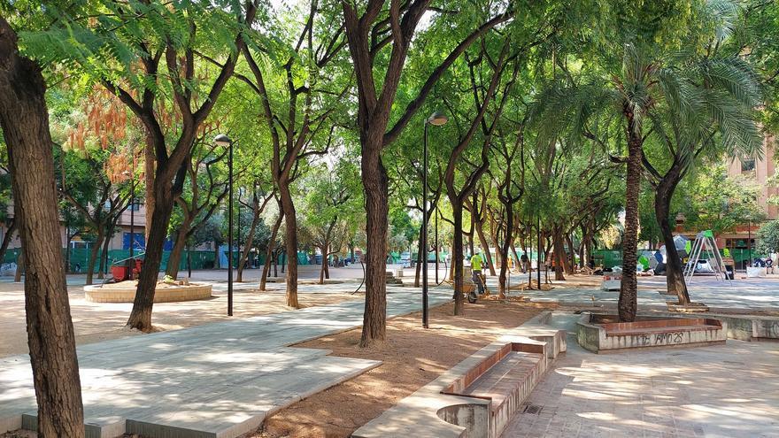 El jardín de la plaza de Manuel Granero, en Russafa, se abrirá en un mes