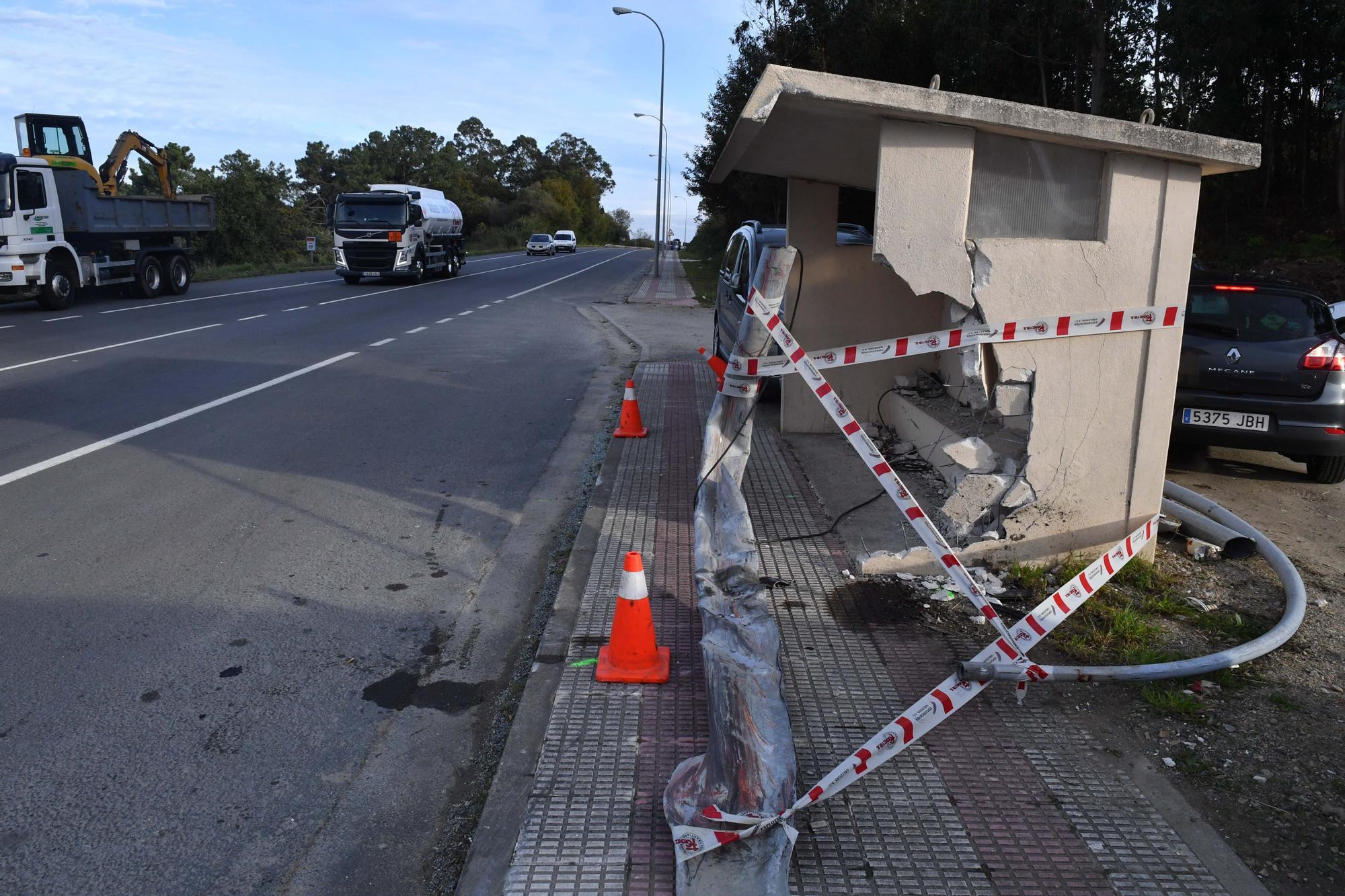 Un joven de 22 años muere y otro resulta herido en un accidente de tráfico en Arteixo