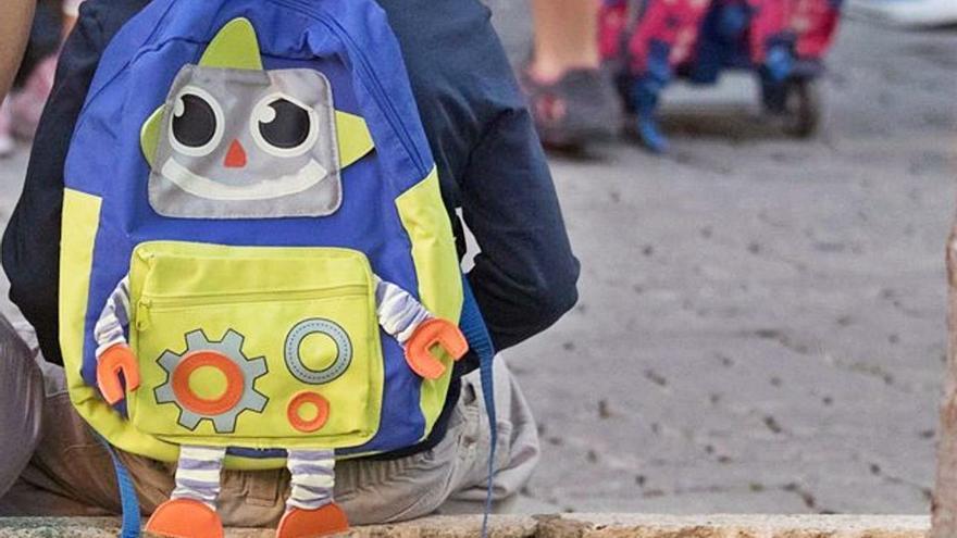 Enseñan a los alumnos a utilizar bien las mochilas